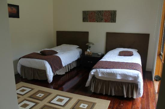 Yering Gorge Cottages: The twin bedroom