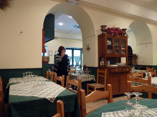 La Pilotta: The rear dining room