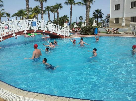 Anastasia Beach Hotel: water polo