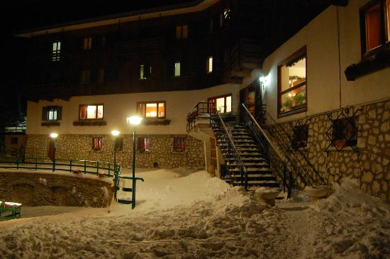 Il Bucaneve: esterno dell'hotel