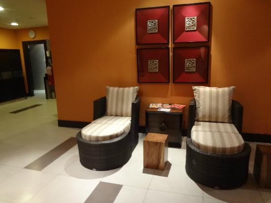 Mandarin Oriental Jakarta: Fitness Center women's changing rooms