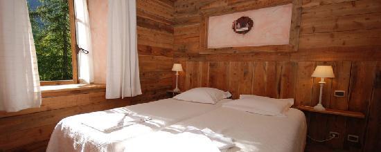 Chalet Hôtel d'Ailefroide : Chambre bois
