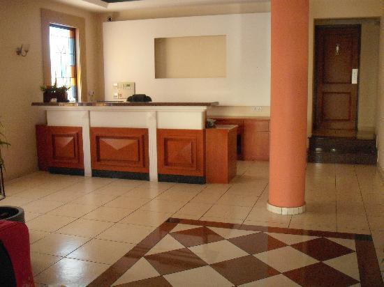 Pyramos Hotel: Reception