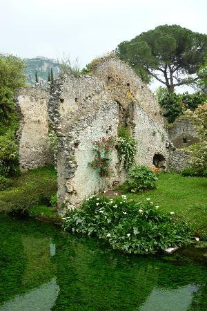 Cisterna di Latina, อิตาลี: Giardino di Ninfa