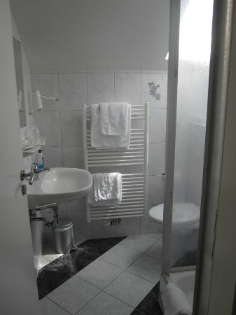 Mercator Hotel: bathroom