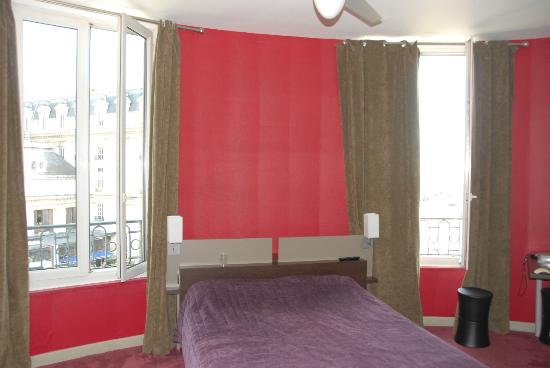Ibis Bordeaux Centre Gare Saint-Jean Euratlantique : Great room! Private facilities.