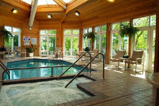 Mill Creek Hotel: Mill Creek's indoor pool and hot tub