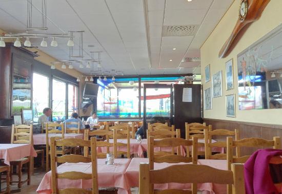 taken 6pm picture of cafe restaurant de l 39 aviation vernier tripadvisor. Black Bedroom Furniture Sets. Home Design Ideas
