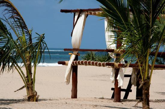 Lawford's Hotel: BEACH