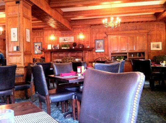 Hawthorne Hotel: Tavern on the Green - Beautiful, Inviting and Delicious Food