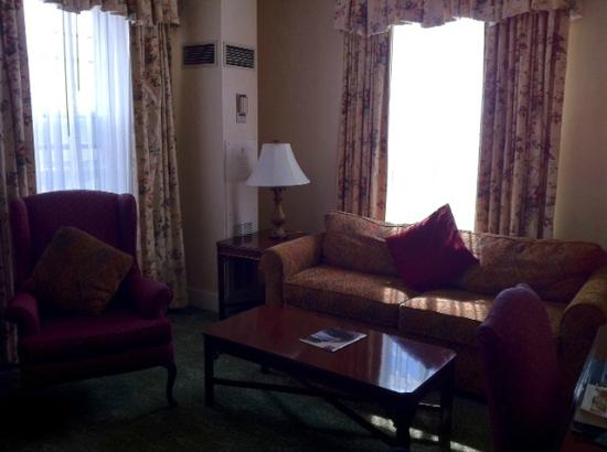 Parlor of One-Bedroom Suite at Hawthorne Hotel