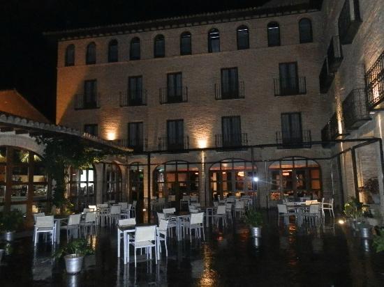 Cienbalcones Hotel: View of hotel
