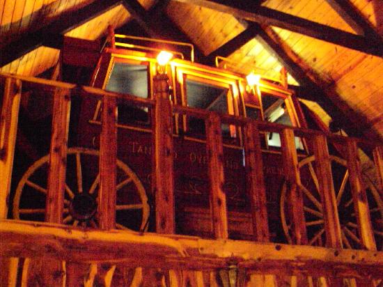 Tanyard Springs Cabins: The Stagecoach bed in the loft