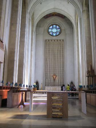 Guildford Cathedral: Choir and Altar