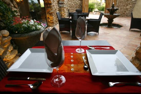 Masia Durba: Mesa del restaurante