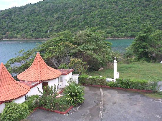 Robin's Bay Village & Beach Resort: View from 3rd floor