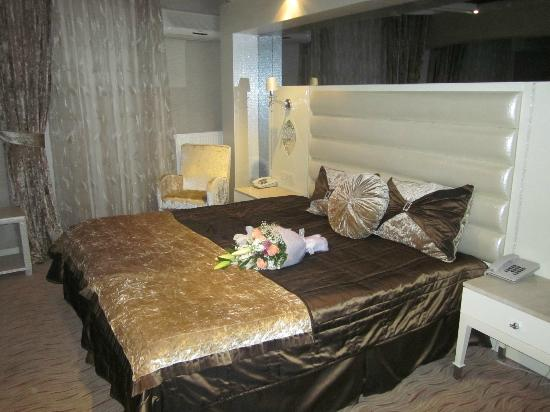 The Q-Inn Hotel Istanbul: Your flowers