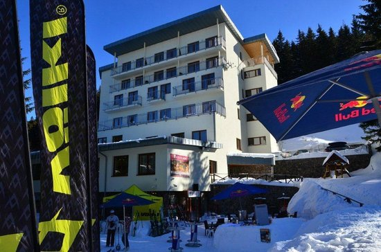 Hotel Fis Jasna: view on hotel from the ski slope