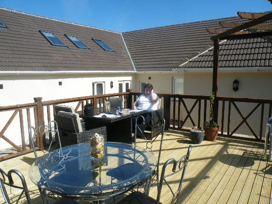 Holly Lodge: Raised Decking area at rear