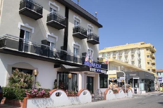ホテル ミラネーゼ