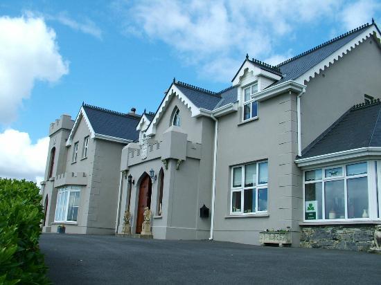 Rossmore Manor: B&B outside