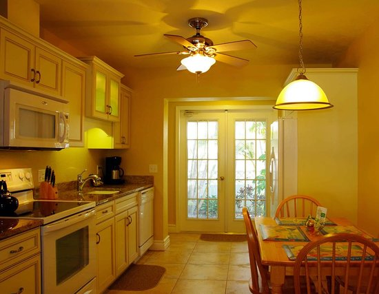 An Island Getaway at Palm Tree Villas: Kitchen in 2 bedroom suite