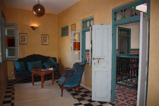 Riad des Palmiers : salon 2e verdieping