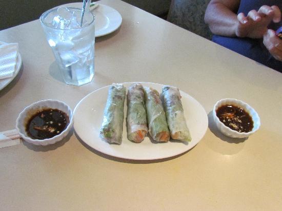 A Saigon Cafe : Beef Rolls