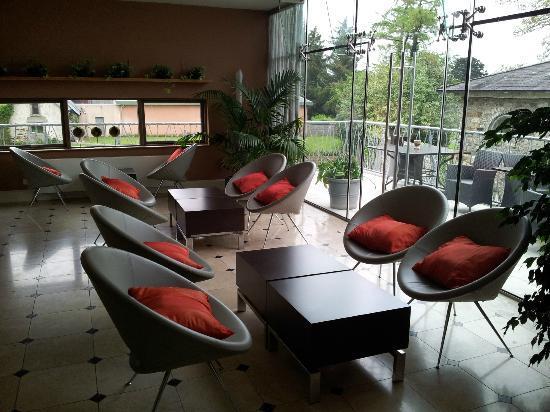 Monart: Lounge
