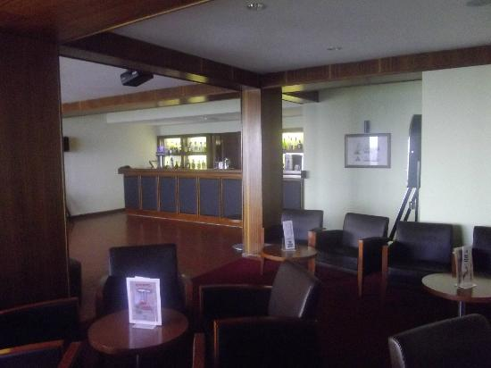 Orca Praia Hotel : le bar de l'hotel et son animation musicale