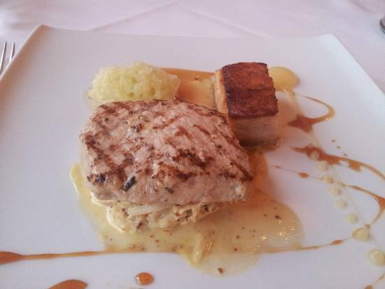 Monart : Confit Pork Belly & Pork Loin with Apple & Mustard sauce