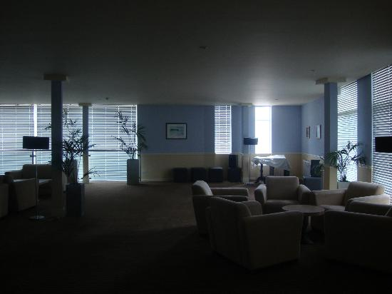 The Imperial Tenby Hotel: lounge area