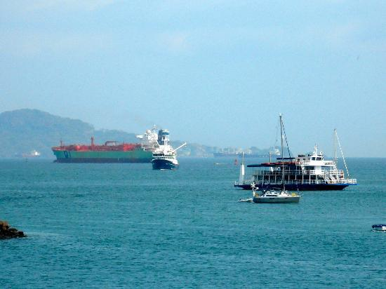 Amador Ocean View Hotel & Suites: Ship exiting the Panama Canal to travel out into the Pacific Ocean.