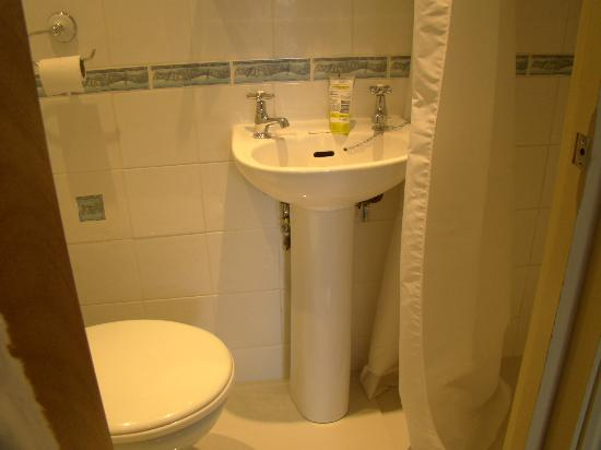 Excelsior Hotel London: Bagno camera n. 26