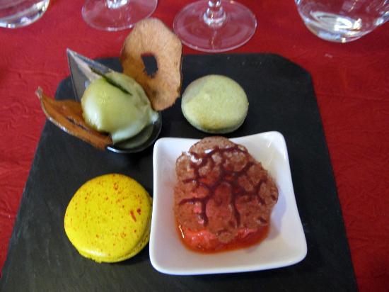 Le Terminus: saveur  d'été déclinée en macarons et sorbets