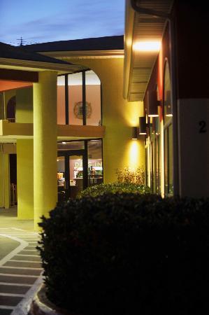 Days Inn Amarillo - Medical Center: Entrance