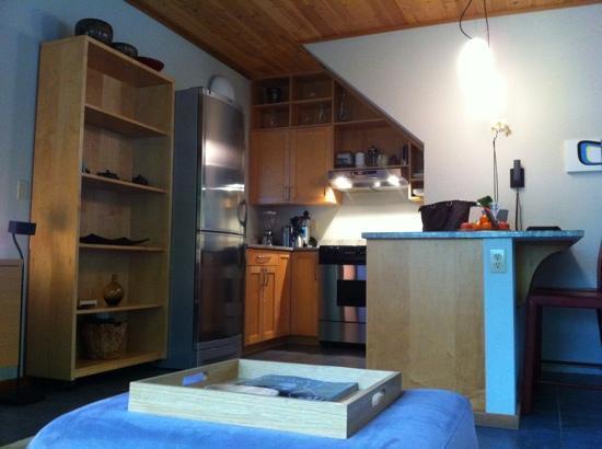 Coast Cabins: kitchen