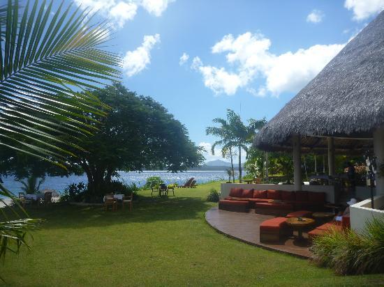 The Havannah, Vanuatu: Restaurant chill our area leading to garden & beach