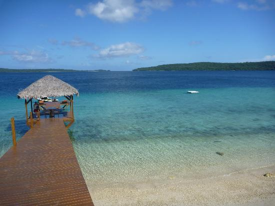 The Havannah, Vanuatu: Jetty with glass floor over the coral reef