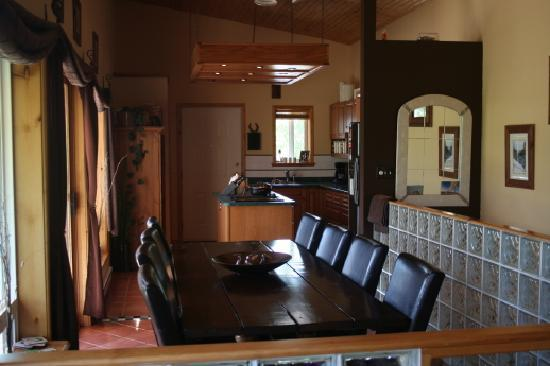 Red Top Bed and Breakfast: Breakfast area