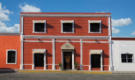 Hotel del Peregrino: Facade