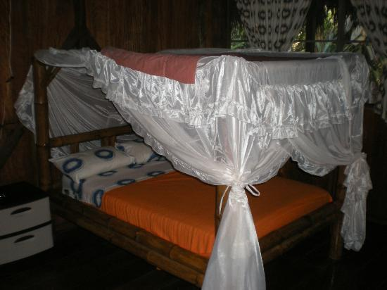 Siona Lodge: Bed