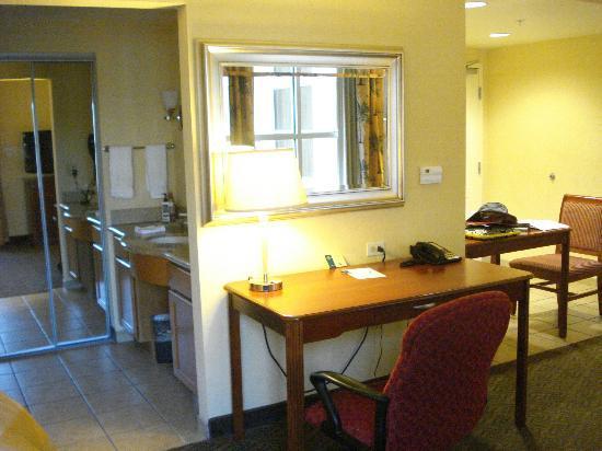 Homewood Suites Daytona Beach Speedway - Airport: desk area