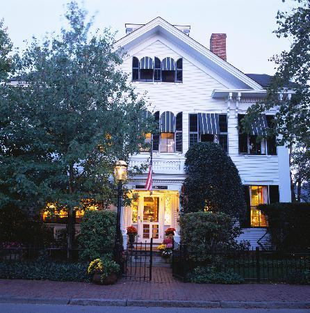 The Charlotte Inn: Main Inn