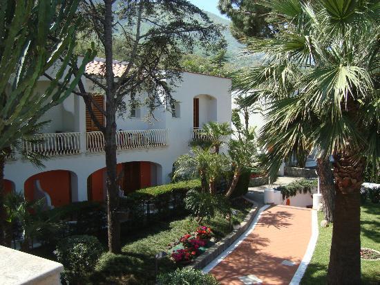 Poggio Aragosta Hotel & Spa : Anlage fast wie im Park!