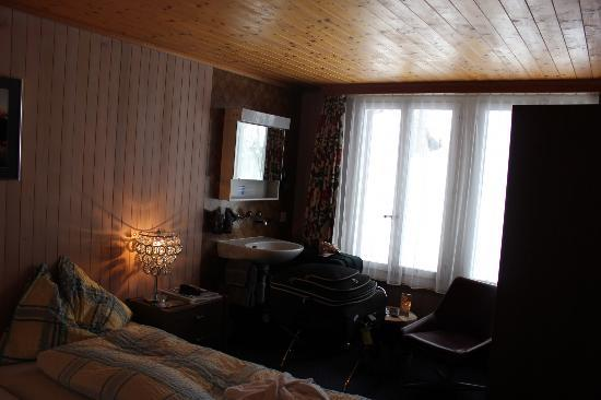 جونغفراو لودج أنيكس كريستال: Room with shared bath