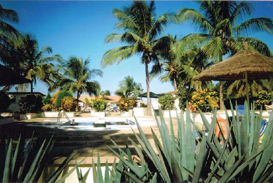 Kololi Beach Club - has 2 swimming pools