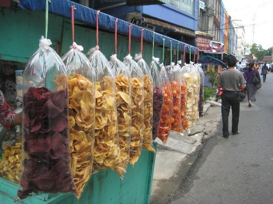 Main Street: Street markets selling tapioca chips