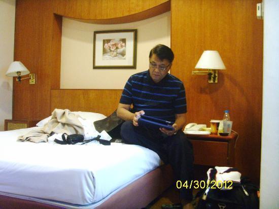 Hotel 81 - Star: Room