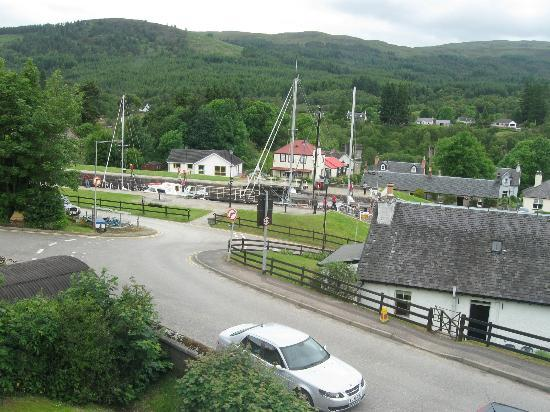 Bank House B&B: View of the Caledonian Canal